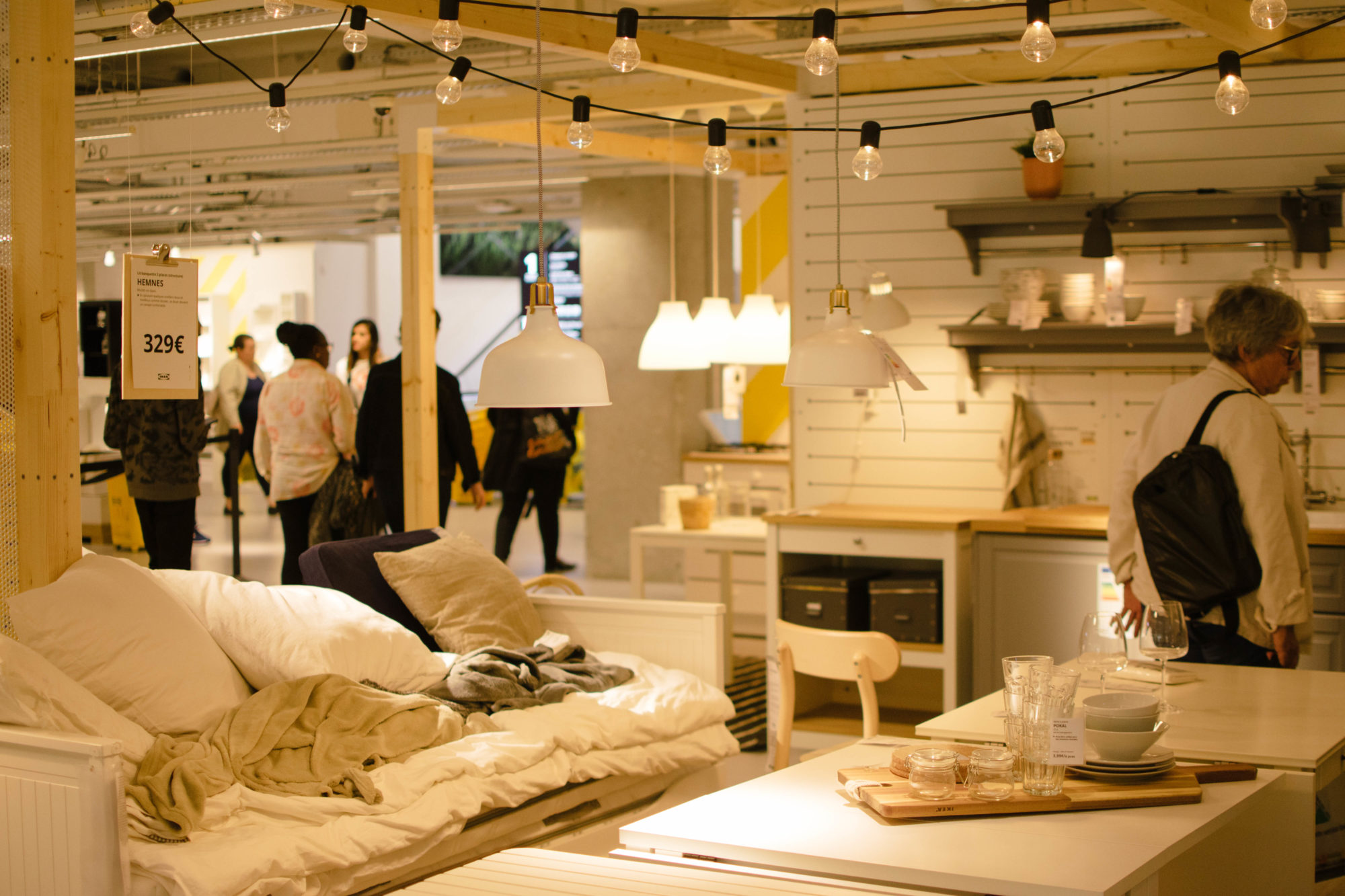 A room display in IKEA Paris La Madeleine called L'art de recevoir dans 26m²