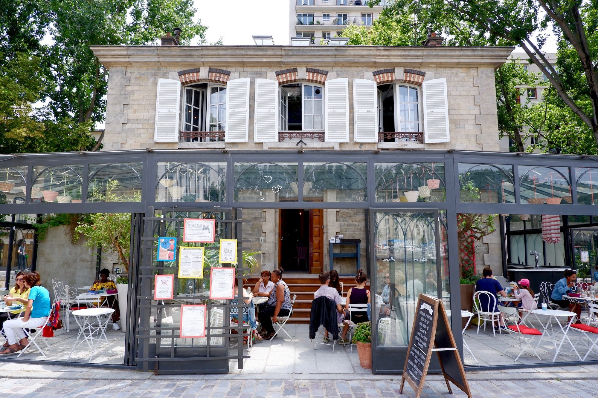 Pavillon des Canaux is also a local favorite located on the Canal de l'Ourcq, and serves delicious cakes and salads as well as cocktails, beer and wine.