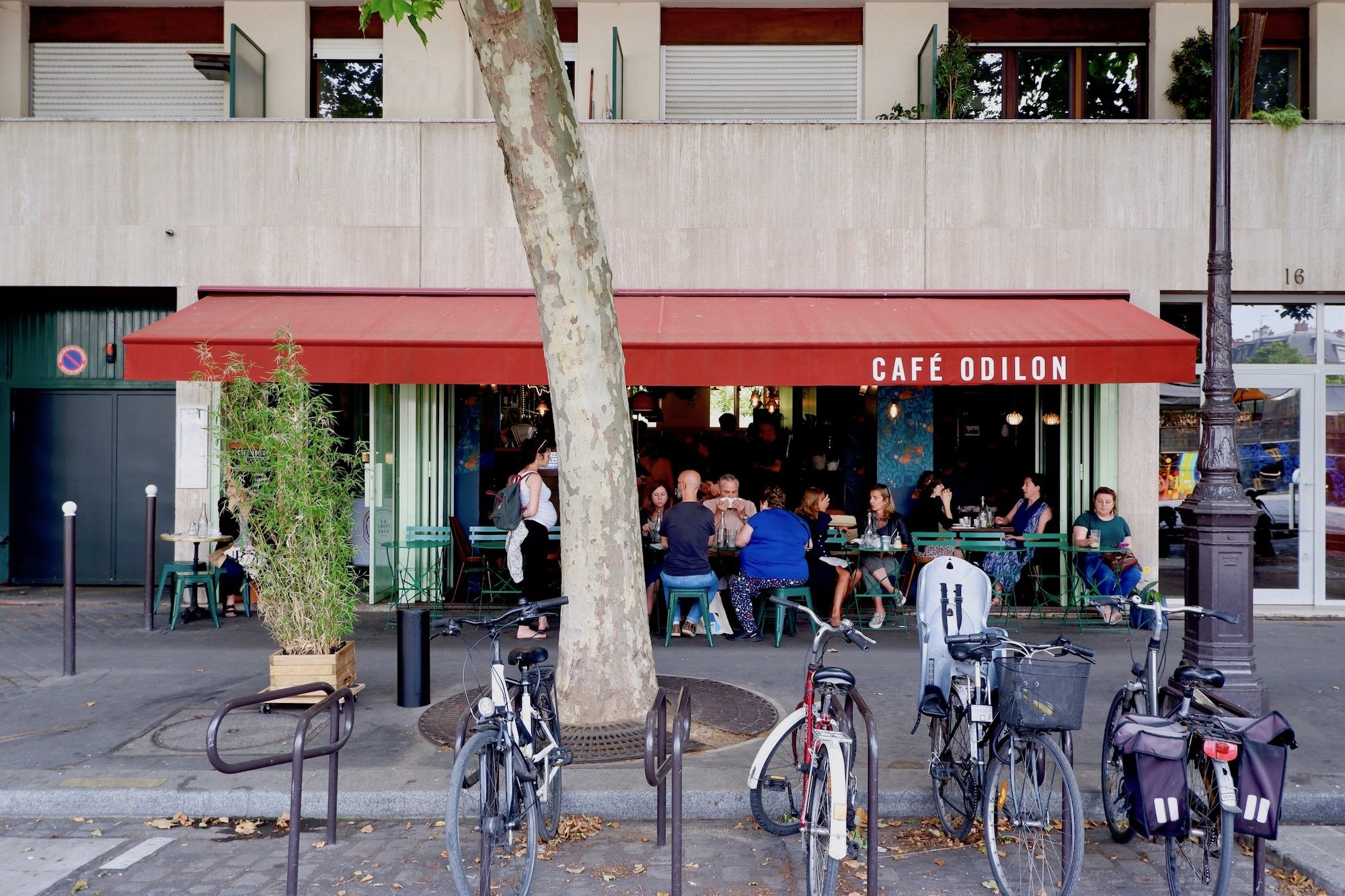 Café Odillon a favorite for pizza along the canal in north-eastern Paris.