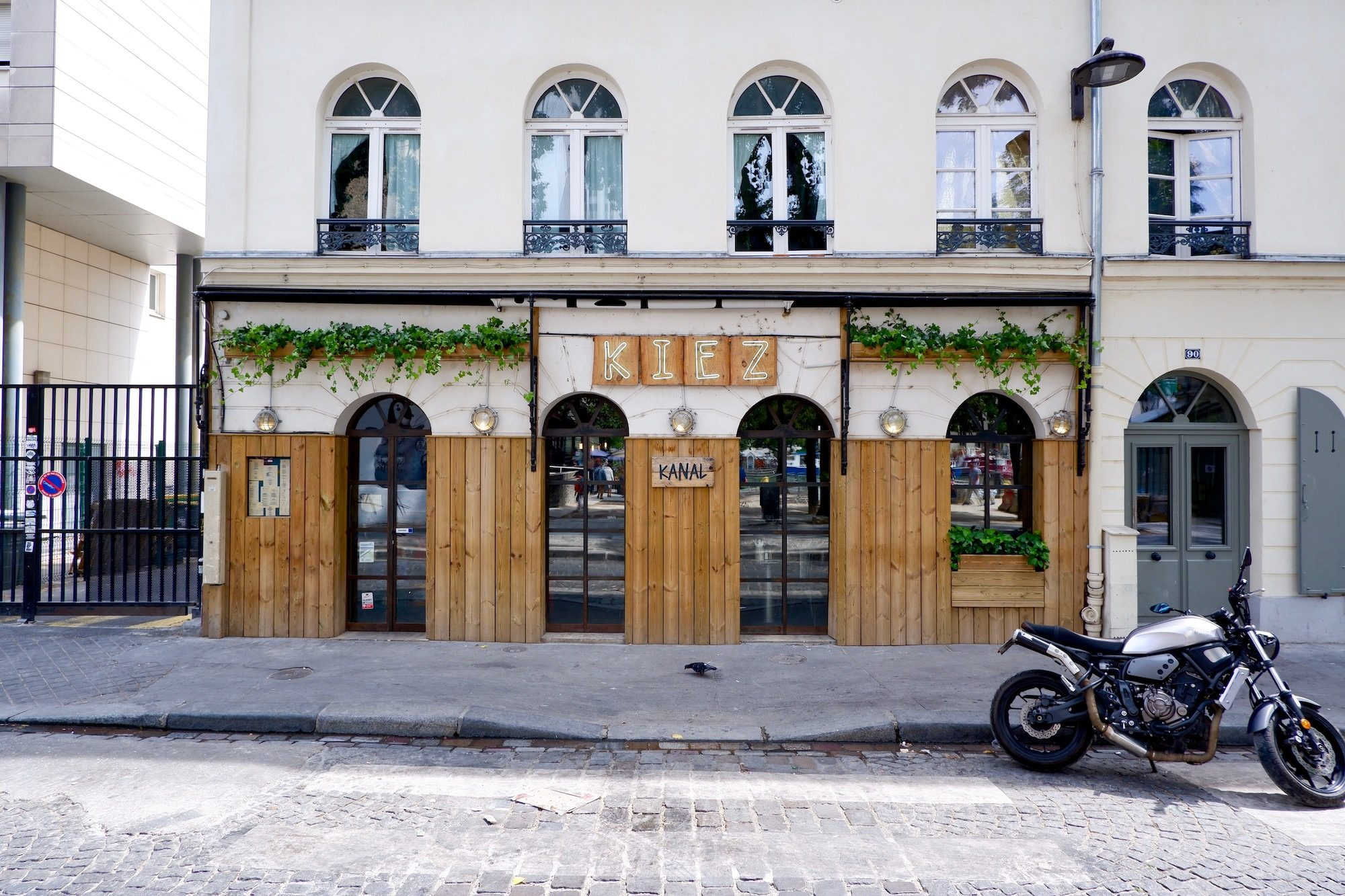 Kiez Kanal, another local favorite hangout for drinks and food on the Paris canals.