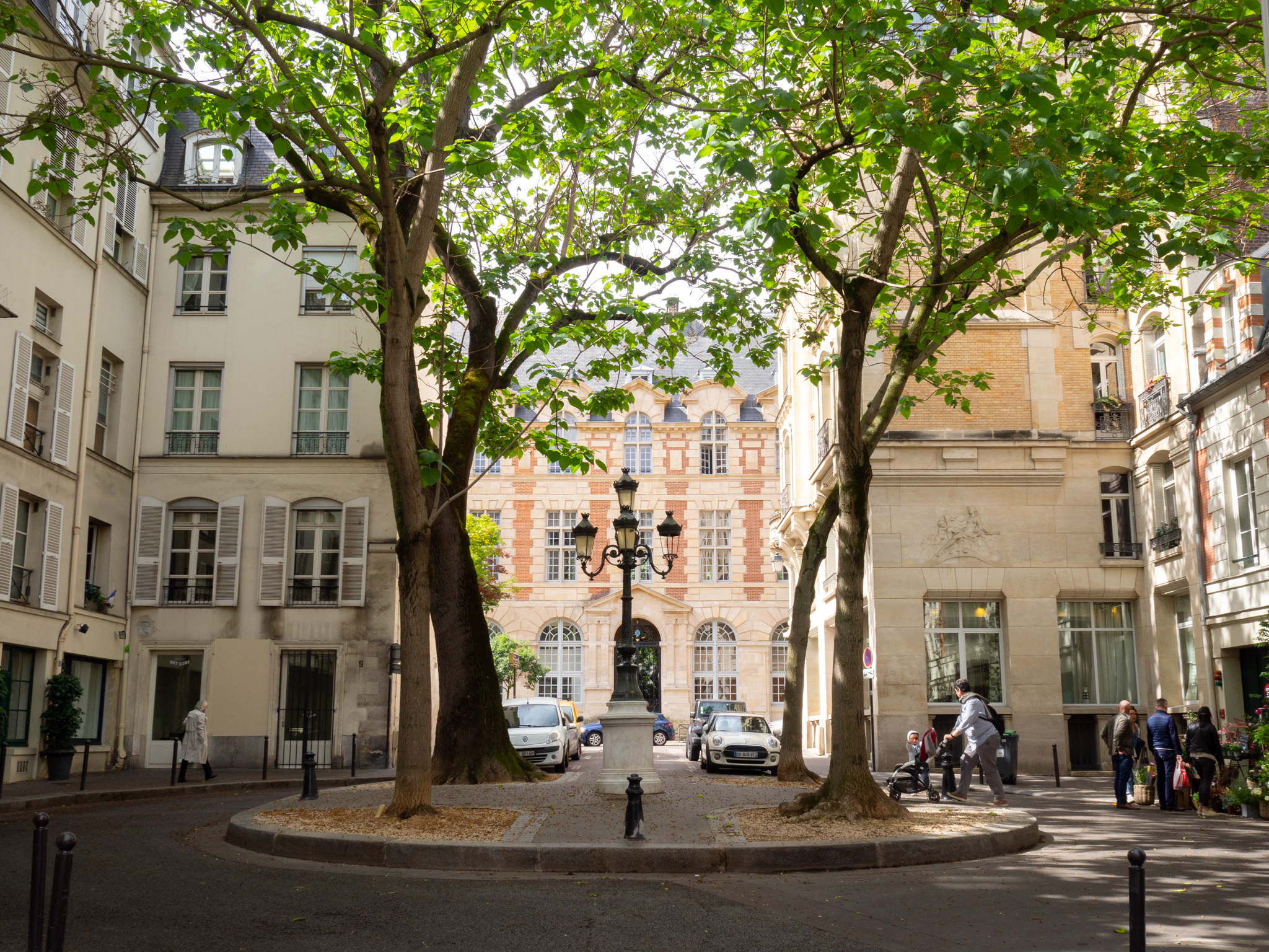 Place de Furstenberg, located in Paris' left bank, on a sunny afternoon.