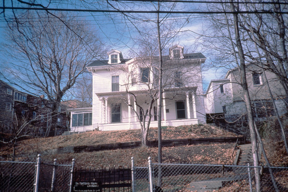 garrison-house