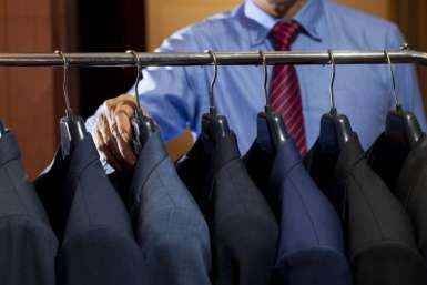 A Guide to Summer Suit Fabrics