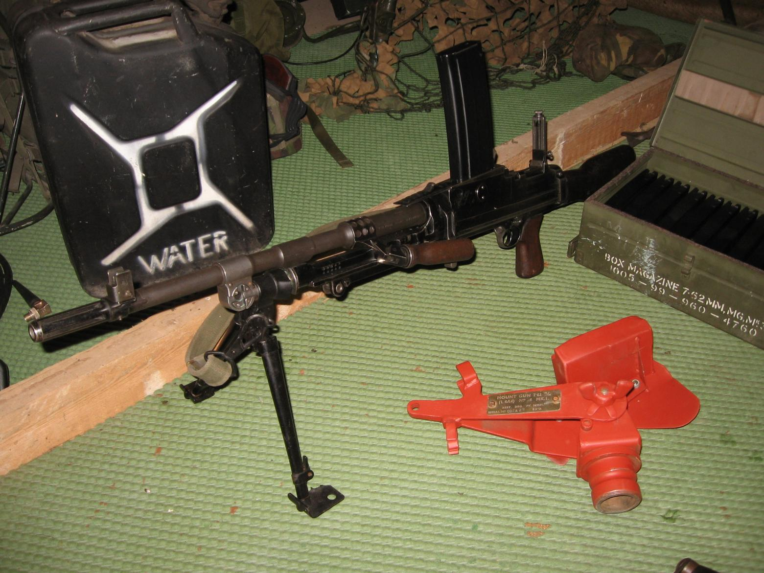 lmg bren  - Weapons/Accessories - HMVF - Historic Military Vehicles