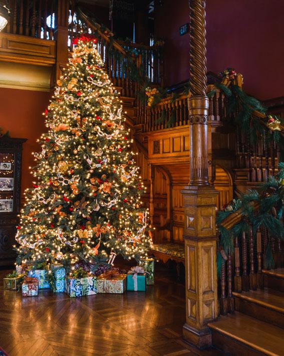 Christmas tree at the Eustis Estate