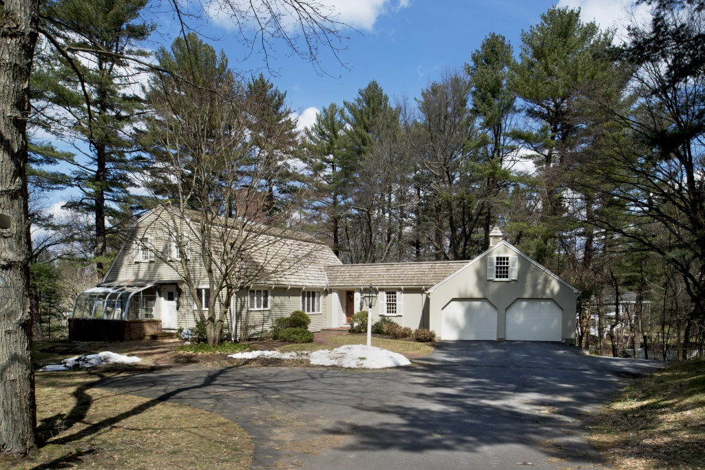Royal Barry Wills-designed Charles Wills House in Lynnfield, Mass.