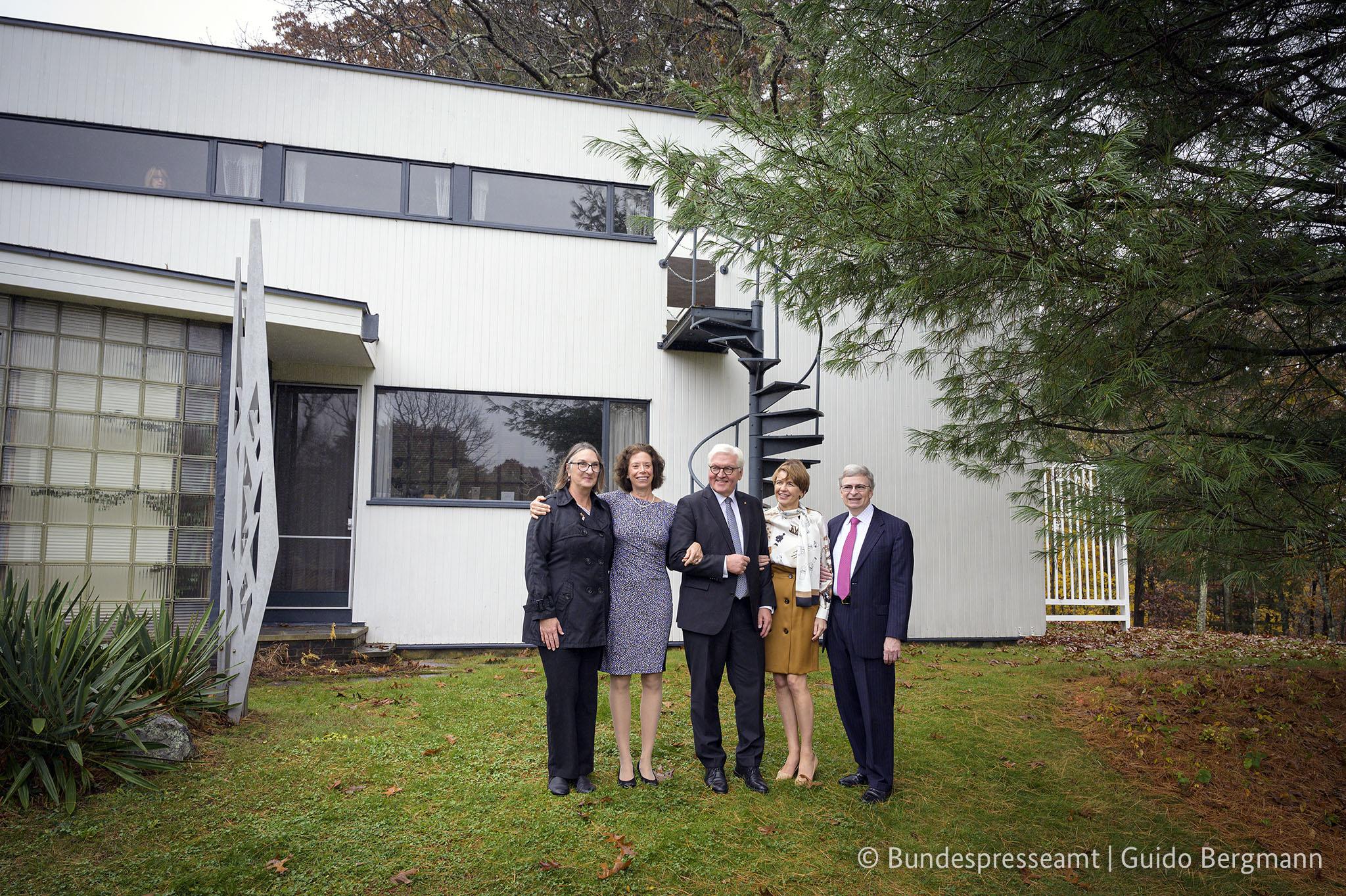 Wendy Hubbard, Erika Pfammatter, German President Frank-Walter Steinmeier, Elke Budenbender, and Carl R. Nold