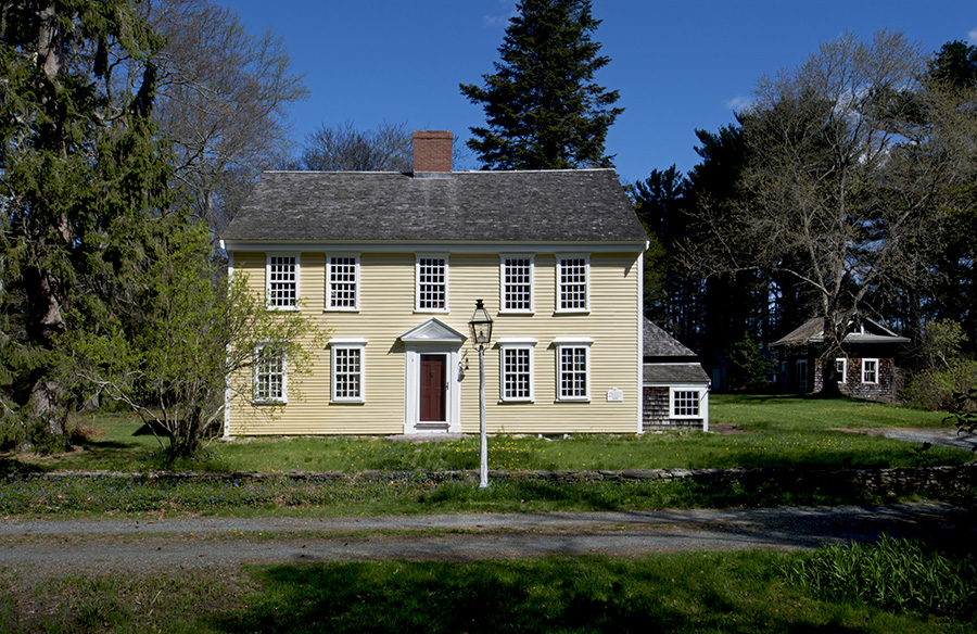 Holmes-Brewster House in Kingston, Massachusetts