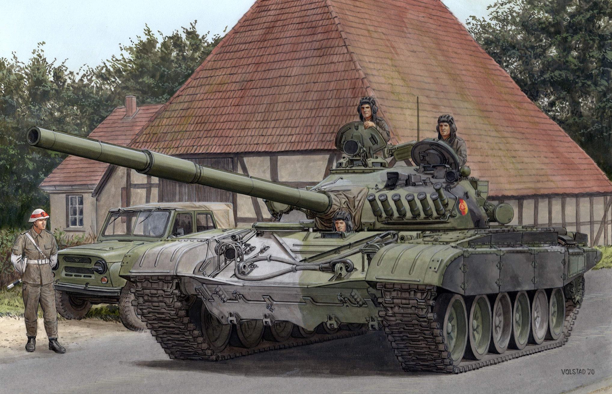 Amusing Hobby 1/35 T 72-M1 Tank