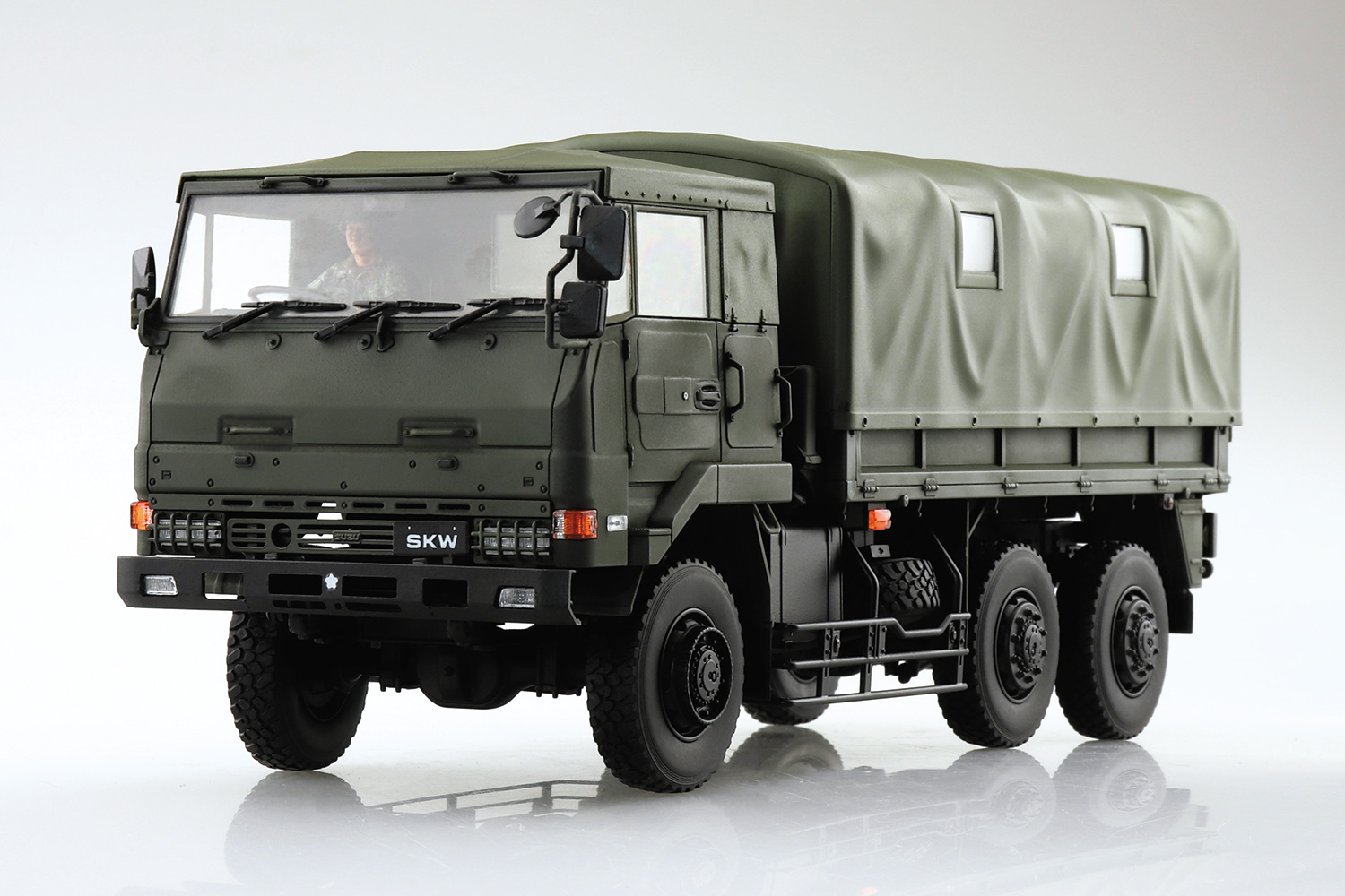 Aoshima 1/35 3.1/2T Truck (SKW-477)