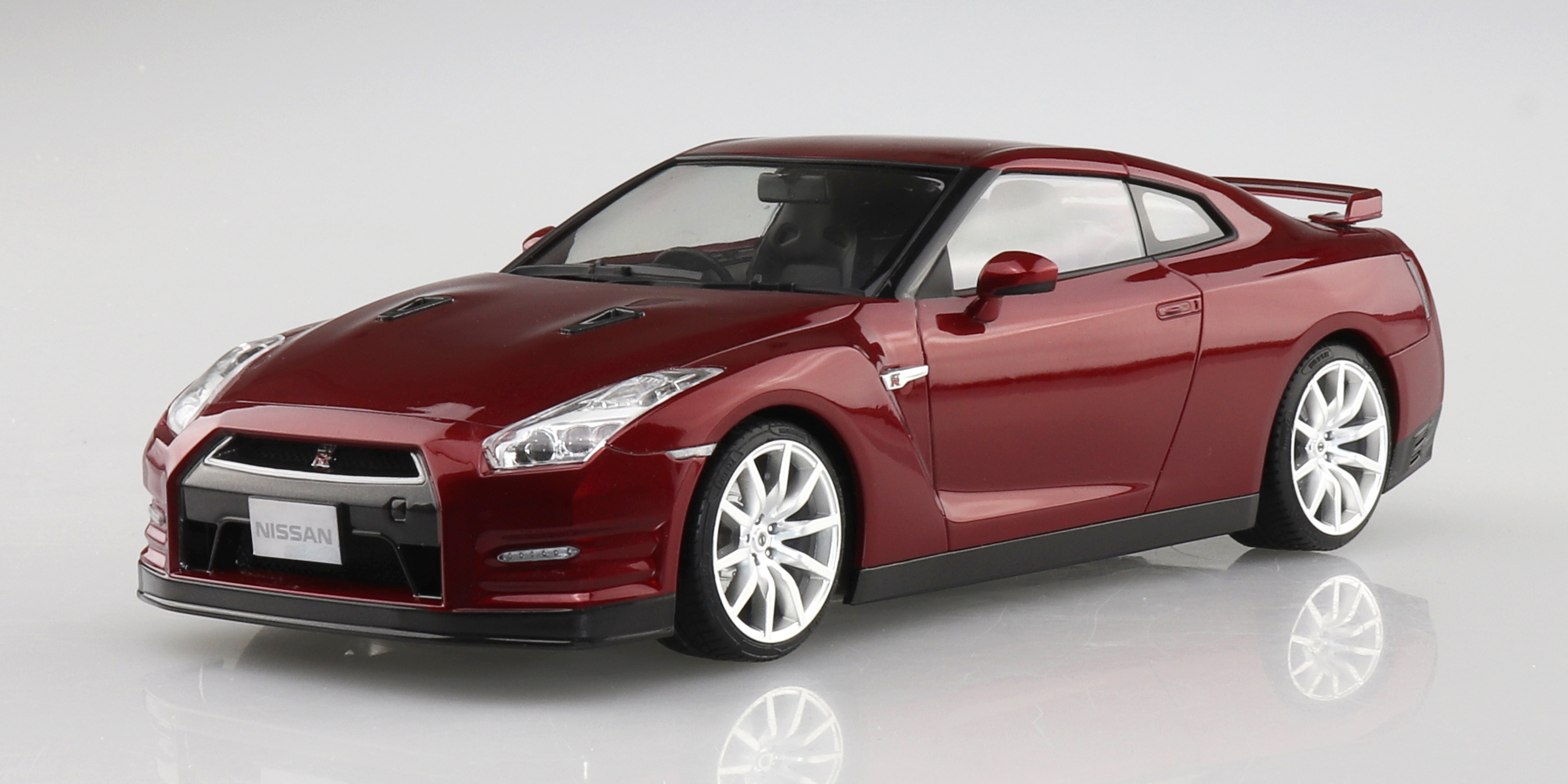 Aoshima 1/24 NISSAN R35 GT-R '14 Gold flake Red Pearl
