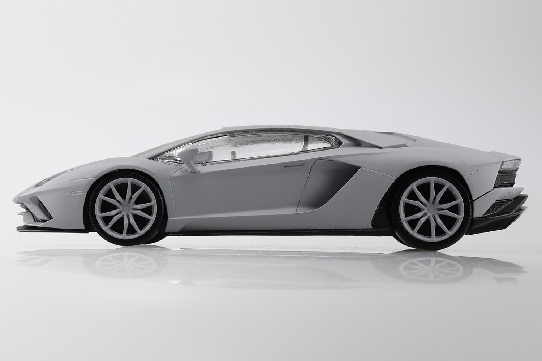 Aoshima 1/32 Lamborghini Aventador S Pearl White