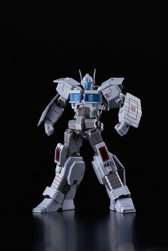 """Bandai Ultra Magnus (IDW Ver.) """"Transformers"""", Flame Toys Furai Model"""