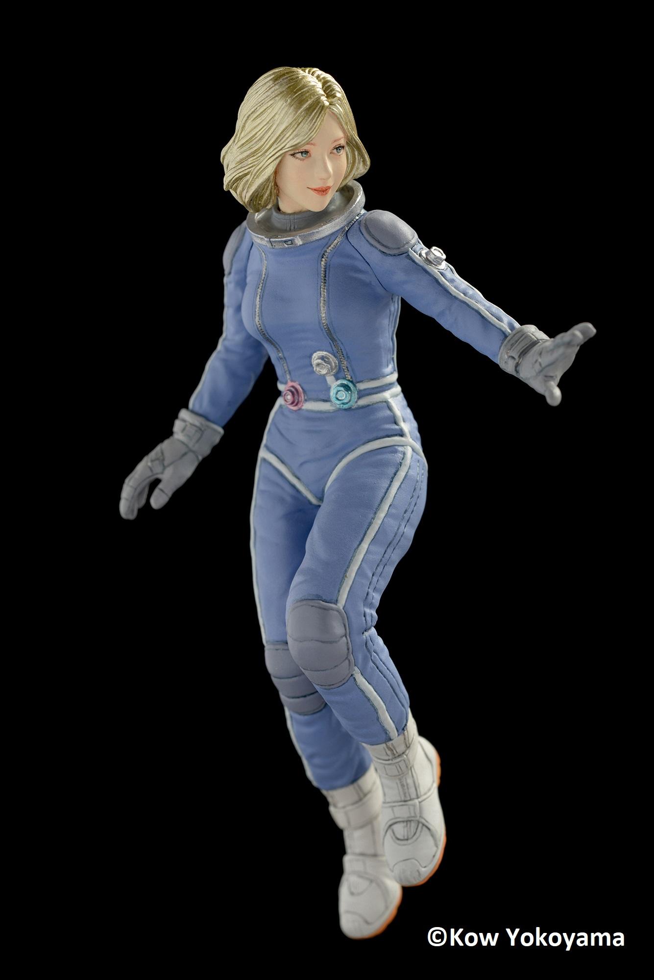 Brick Works Maschinen Krieger Mercenary Army Female Space Pilot (B) -  Floating in Low Gravity / Aerobic Environment