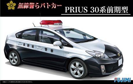 Fujimi Prius Series 30 Early Type Radio Transmission Patrol Car