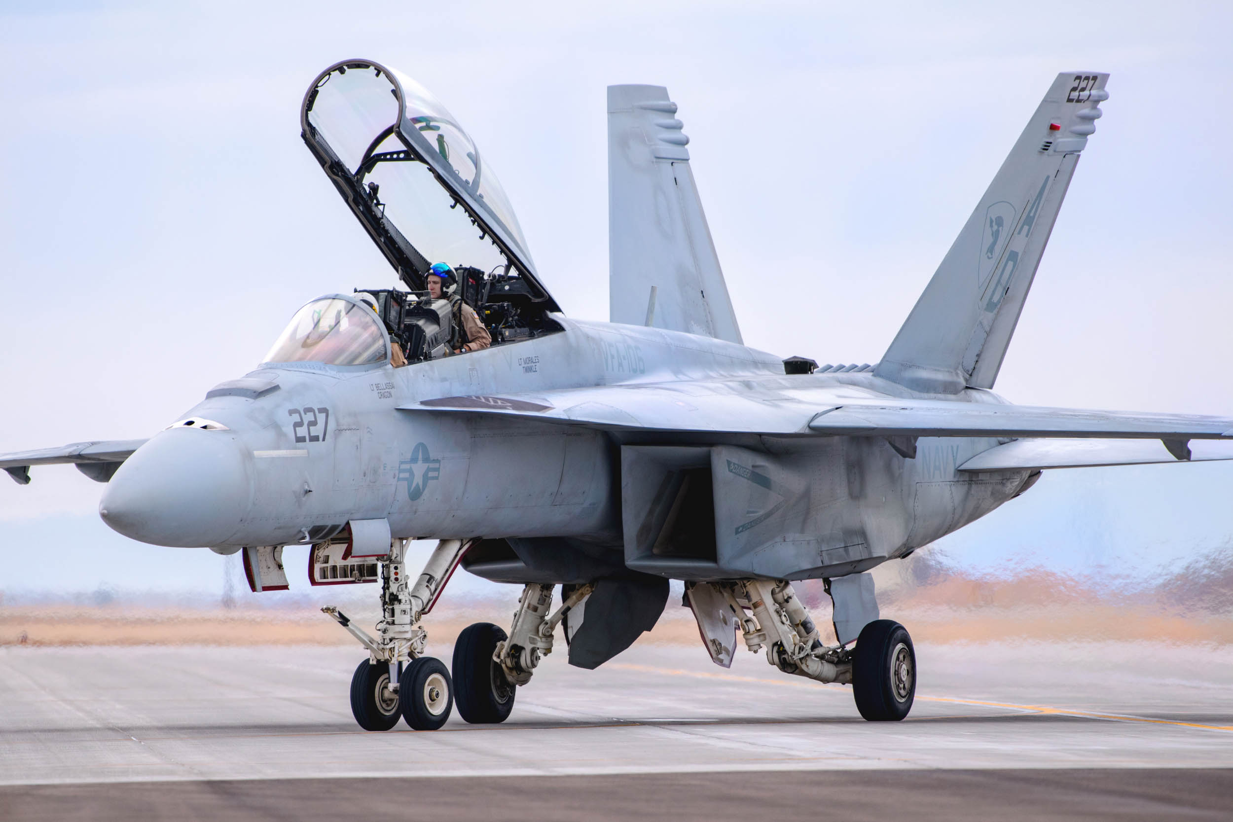Hobby Boss 1/48 F/A-18F Super Hornet