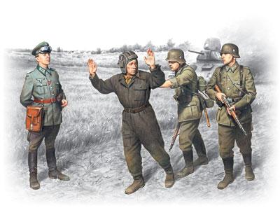 ICM �Barbarossa� operation, June 22,1941 (4 figures - 1 german officer, 2 german soldiers, 1 captured soviet tankman)