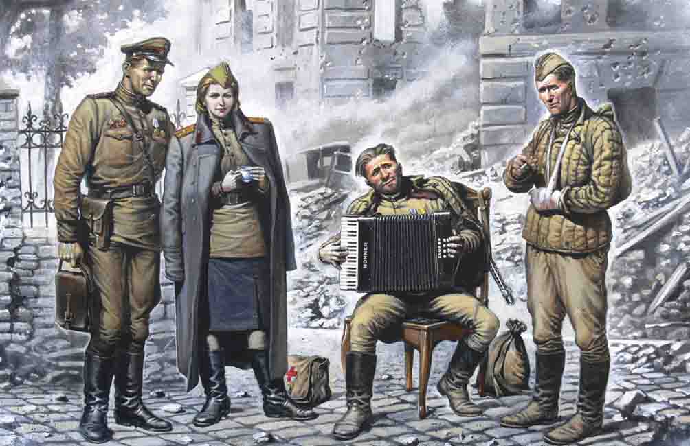 ICM May 1945 (4 figures - 1 officer, 2 soldiers, 1 military servicewoman)