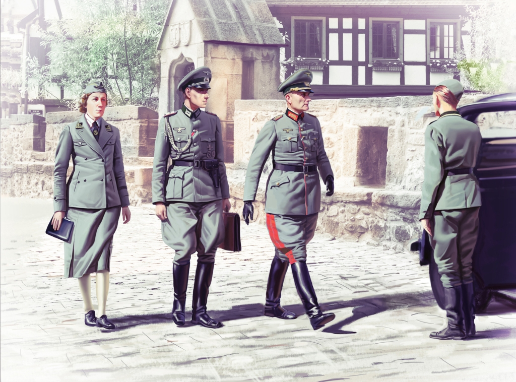 ICM WWII German Staff Personnel (4 figures)