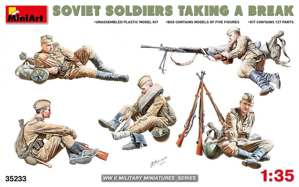 MiniArt Soviet Soldiers Taking a Break (1/35)