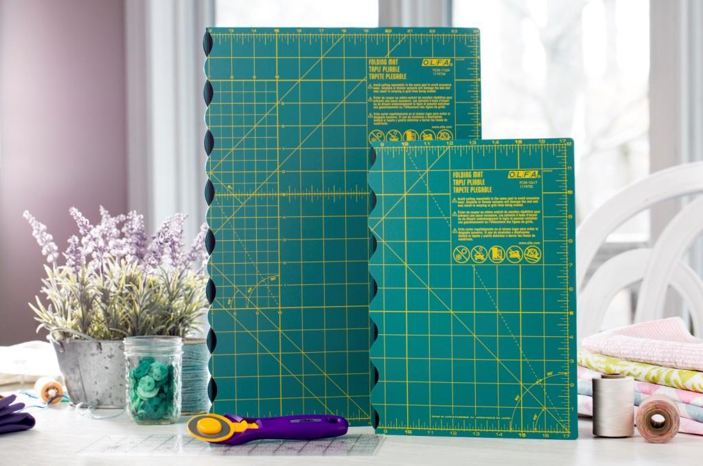 "OLFA 17""x24"" Folding Cutting Mat (FCM-17x24)"