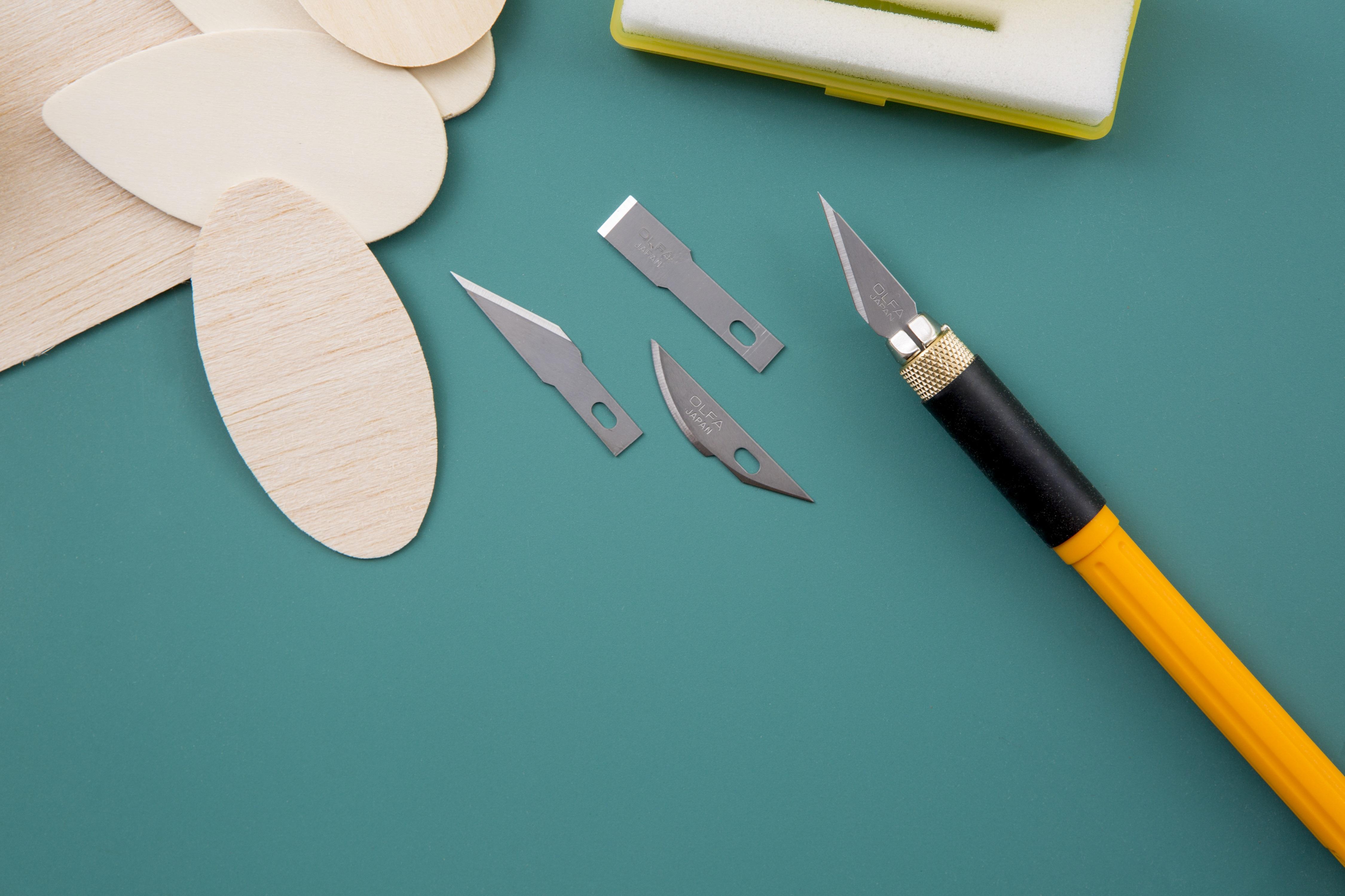OLFA Cushion Grip Graphic Art Knife (AK-4)