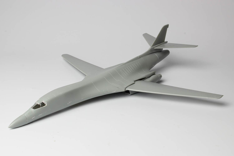 Platz 1/144 U.S. Air Force Bomber B-1B Lancer Guam Undersen AB