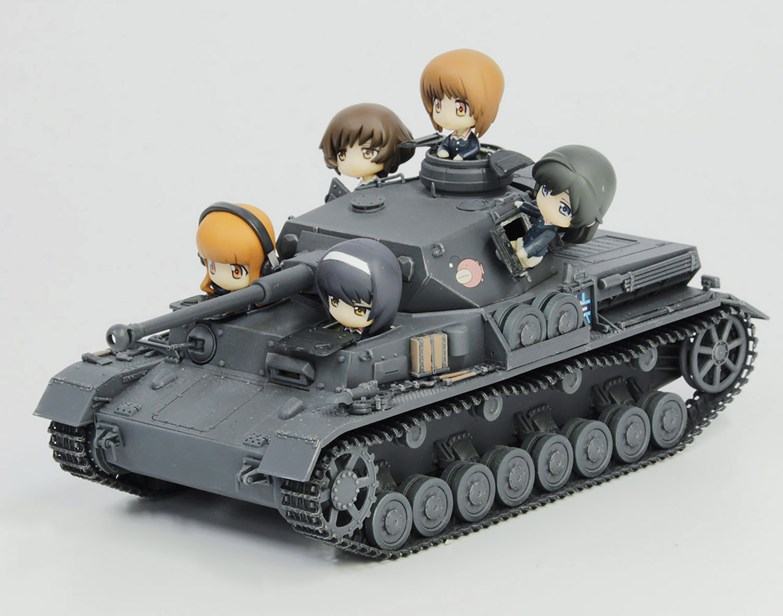 Platz 1/35 GIRLS und PANZER Pz.Kpfw.IV Ausf.D (F2 Ver) TEAM ANKOU Tank with Mini Prepainted Figure Set