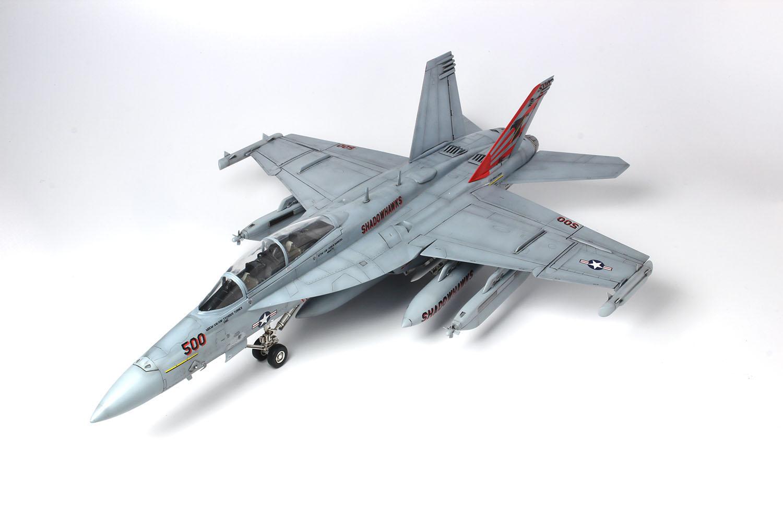 """Platz x Italeri 1/48 U.S. Navy Electronic Warfare Aircraft EA-18G Growler """"VAQ-141 Shadowhawks"""""""