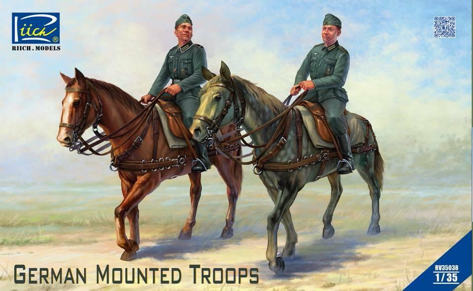 Riich 1/35 German Mounted Troops (2 Horses & 2 Figures)