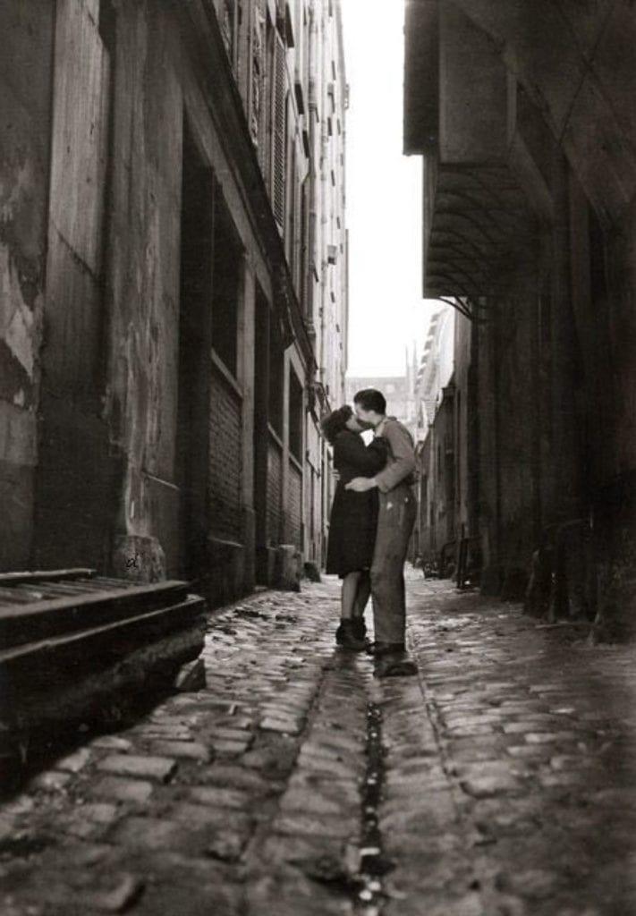 Les Amourex, Paris (The Lovers)