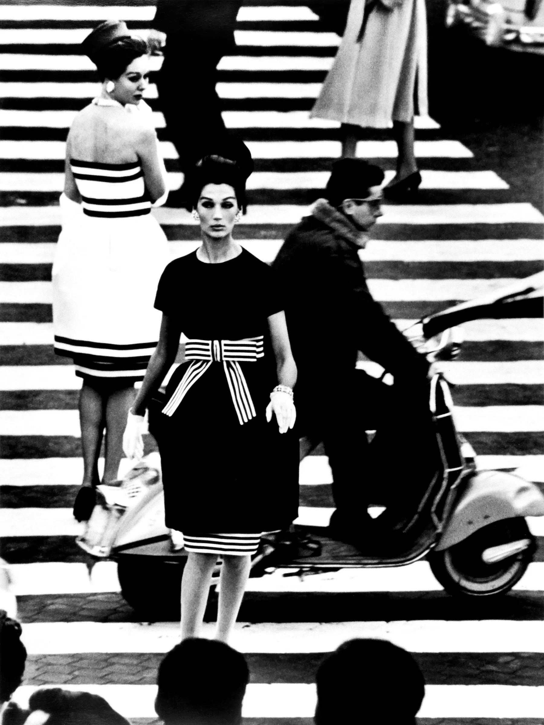 Simone and Nina, Piazza di Spagna