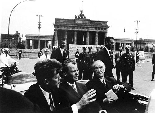 J. F. Kennedy, Willy Brandt, Konrad Adenauer in Berlin, Brandenburg Gate