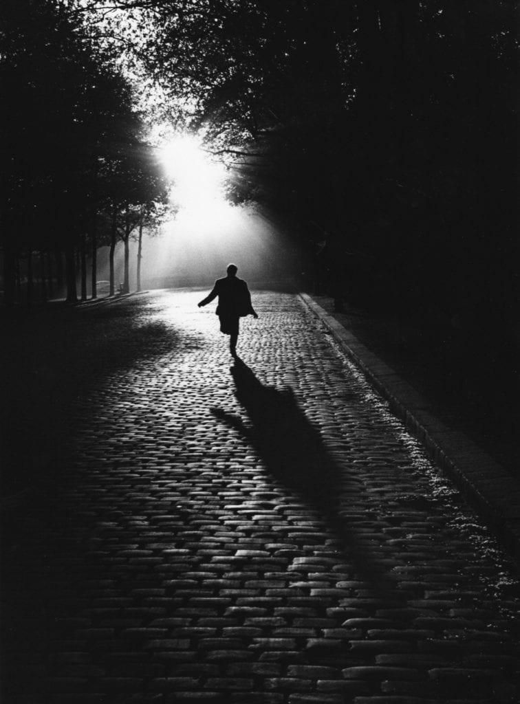 Vers la Lumière, Paris