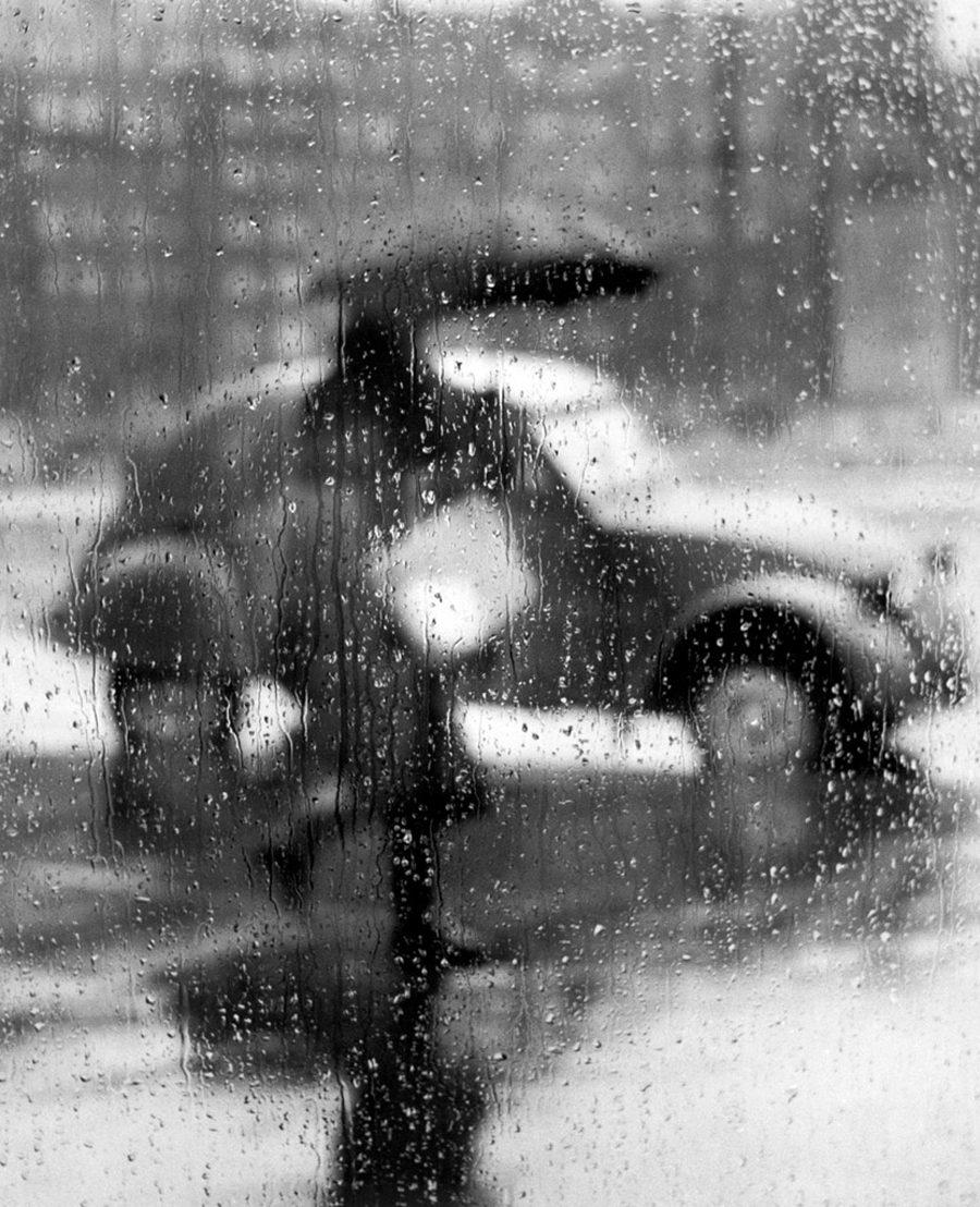 La 2 CV sous la pluie, Paris
