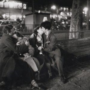 Couples Amoureux, Place République