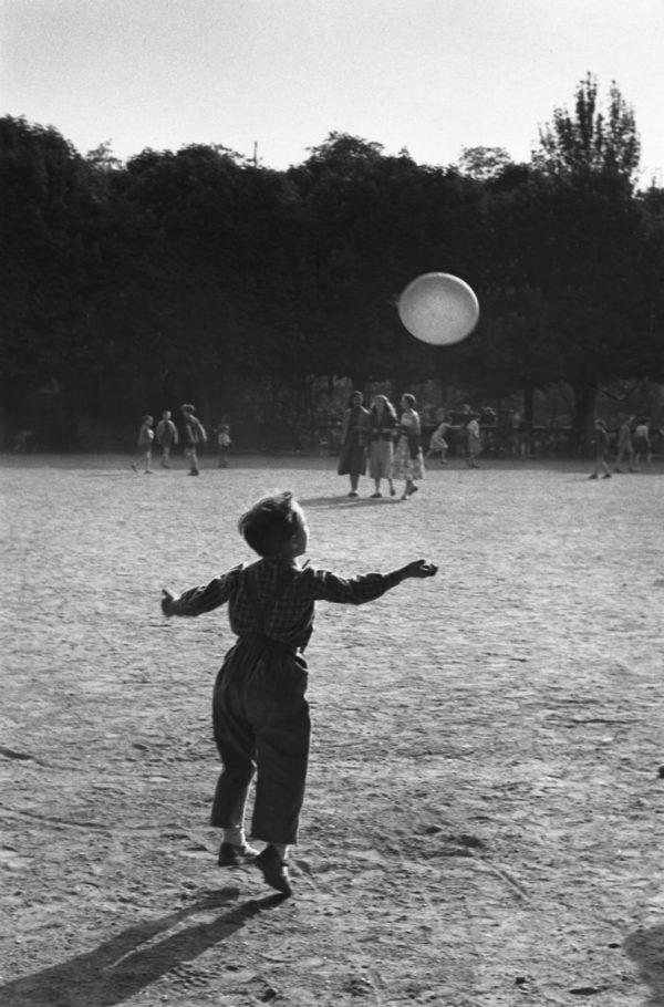Bois de Boulogne, Paris (Enfant et Ballon)