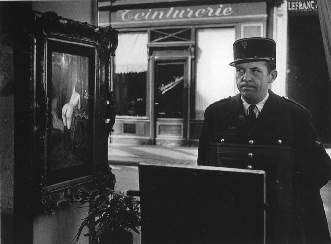 Un Filc Devant la Vitrine (Galerie) Romi
