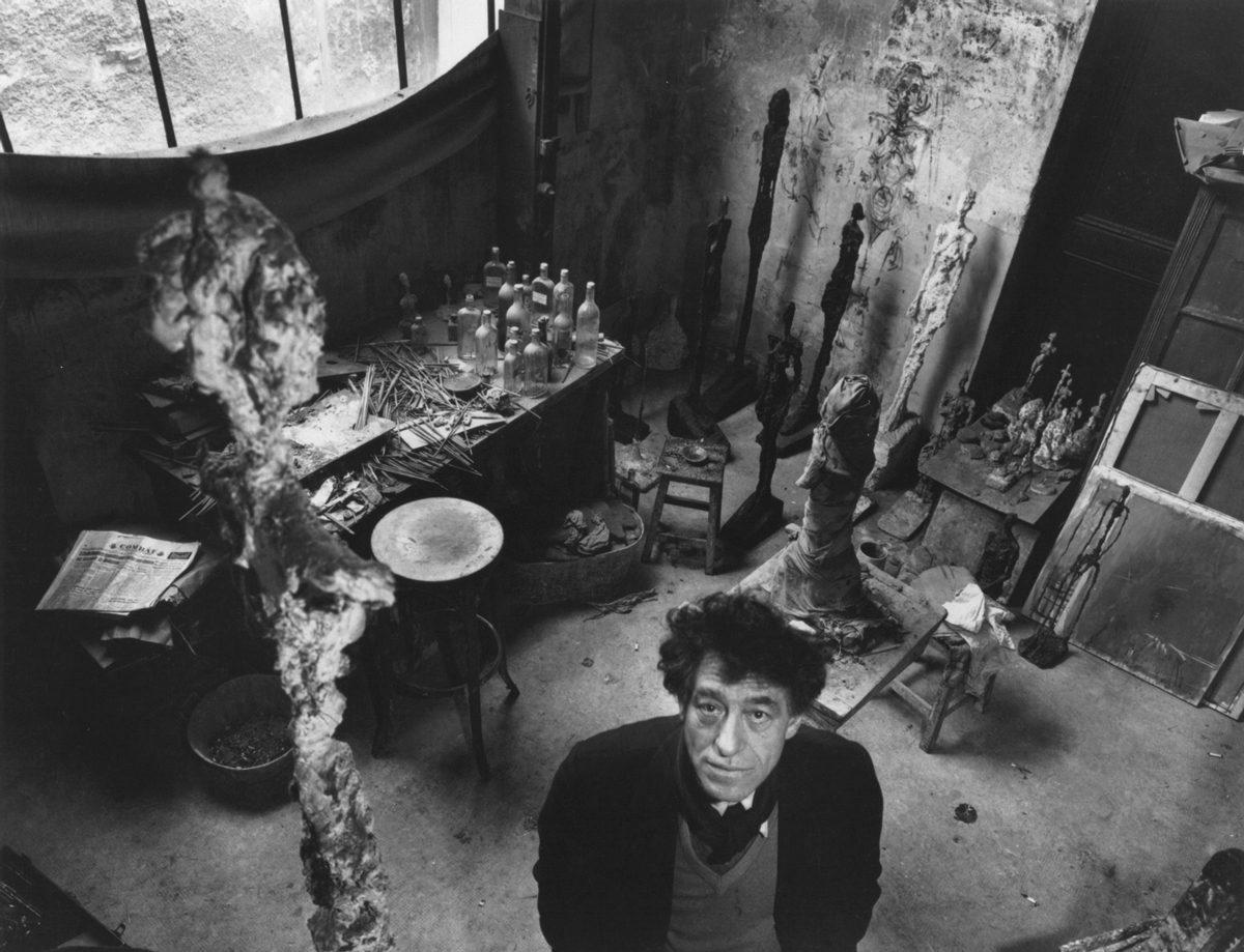 Giacometti dans son Atelier