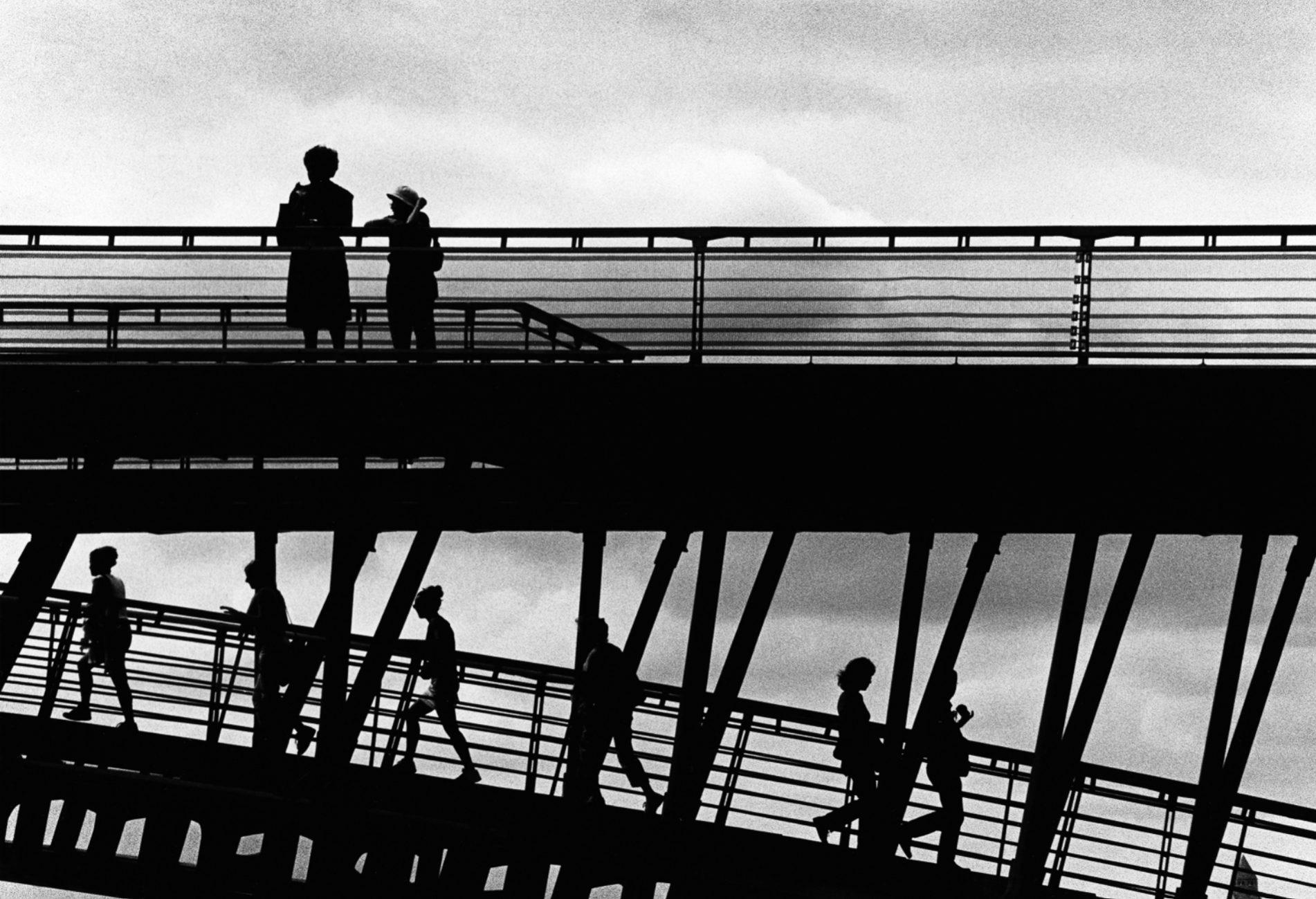 Paris (People on Bridges)