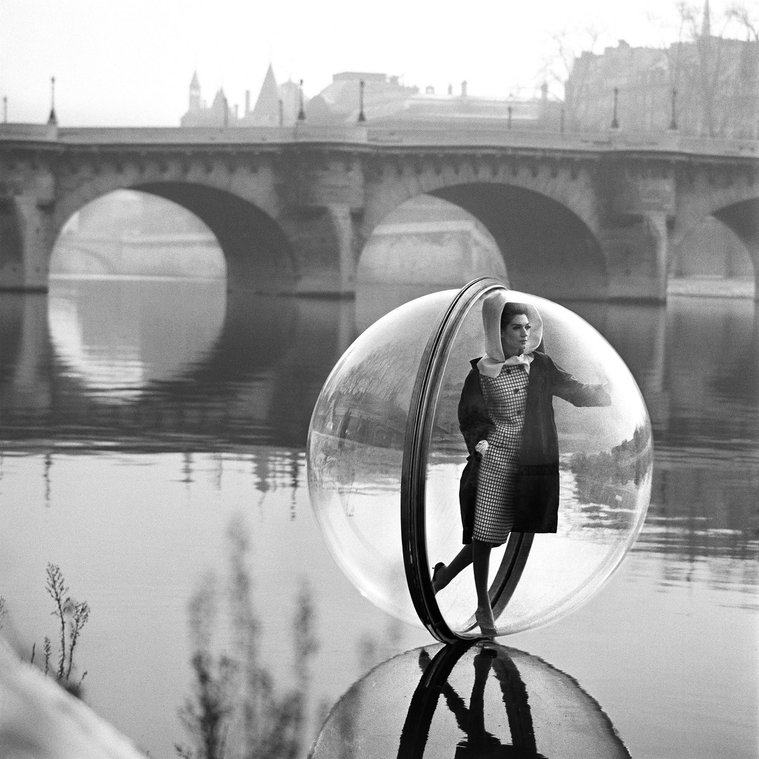On the Seine Kick, Paris