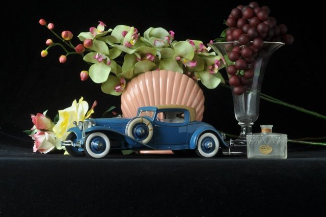 1929 Cord L-29 with Baeder Perfume Bottle
