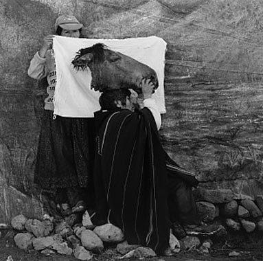 Hombre con Cabeza de Caballo, Colca, Arequipa, Peru