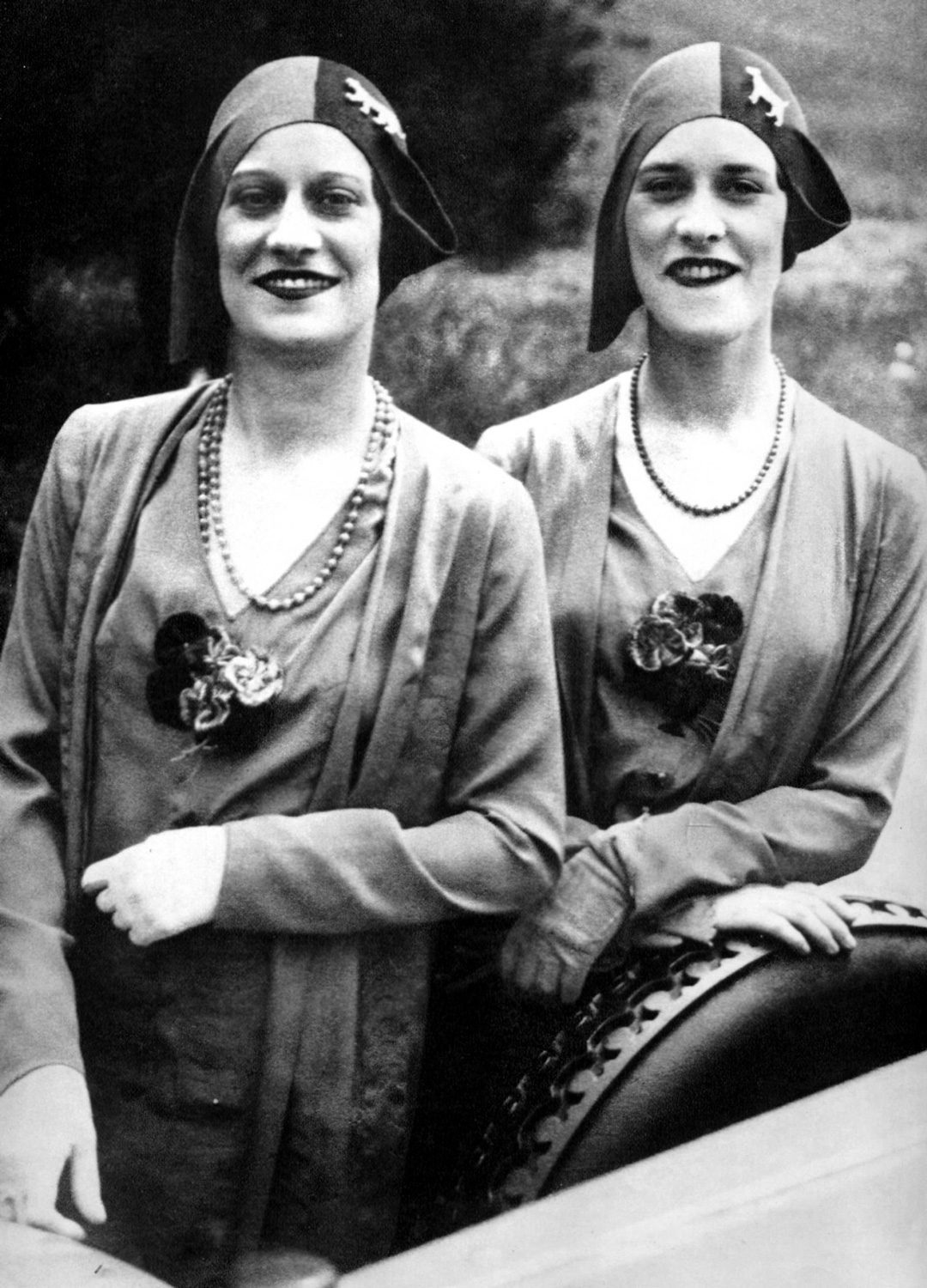 The Famous Rowe Twins of the Casino de Paris