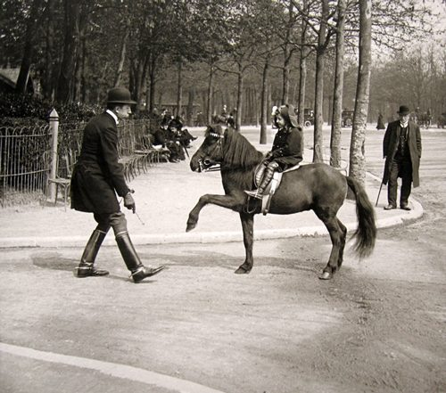 In front of the Dauphine Pavillion (Club de L'etrier), Paris, 1912