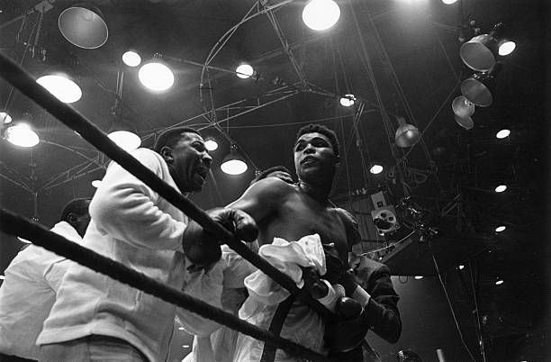 Cassius Clay (Ali) wins in Miami (Ali on The Ropes)