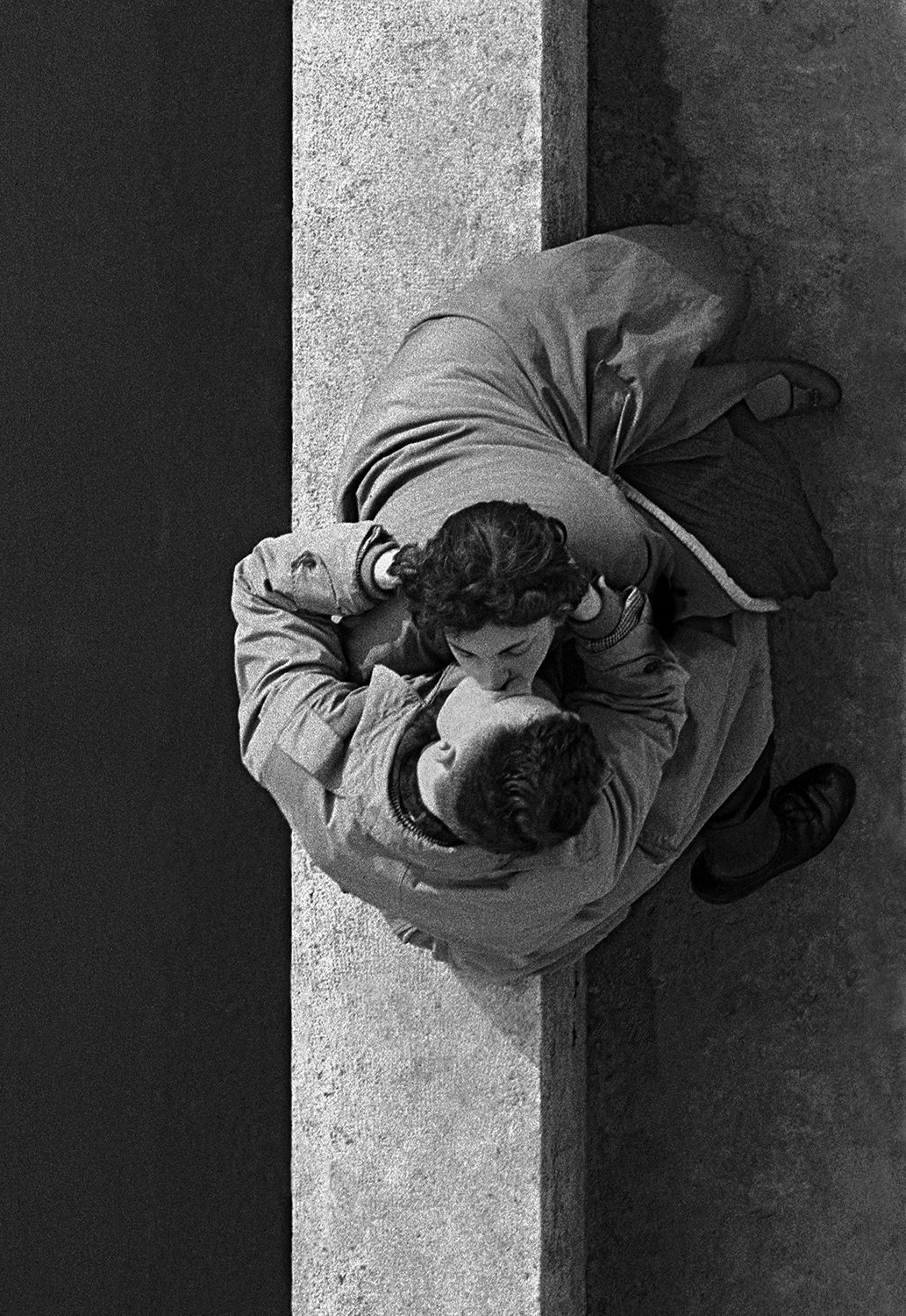 Paris Couple (Quai du Louvre)