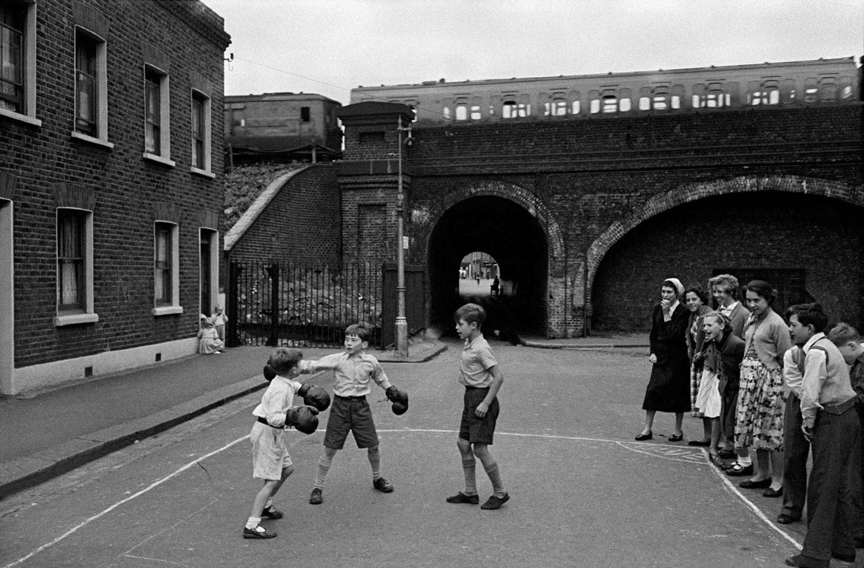 London, Lambeth - boxing boys