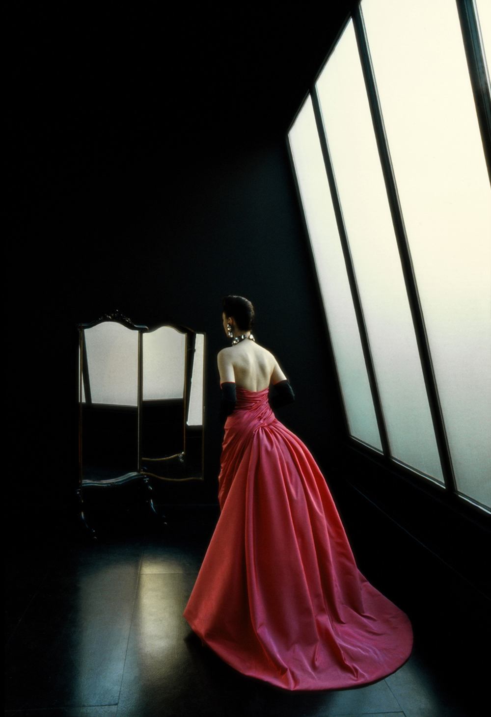 For L'Officiel (Evening dress from back)