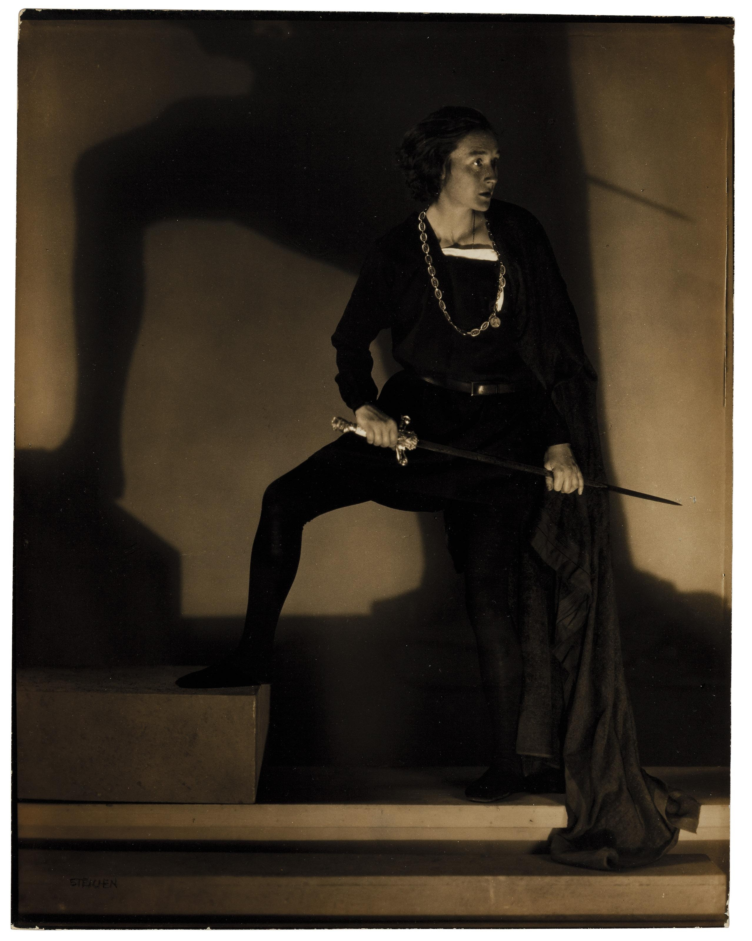 Jean Simpson as Hamlet